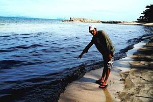 Нефтяное пятно у берегов Таиланда достигло курортной зоны<br />