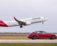 <div>Tesla Model S и Boeing 737 устроили гонки в аэропорту Мельбурна </div>  <div><br />  </div>