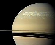 Астрономы разгадали секрет торнадо на Сатурне<br />