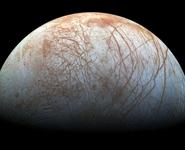 Новое реалистичное изображение покрытого льдом спутника Юпитера опубликовала NASA