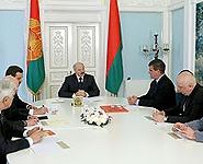 Лукашенко поручил разработать проект железнодорожного сообщения Минска с Национальным аэропортом