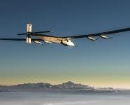 <div>Solar Impulse 2 на солнечных батареях возобновил кругосветное путешествие после перерыва в 9 месяцев </div> <div><br /> </div>