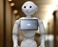 Говорящий робот-гуманоид официально принят в среднюю школу в Японии