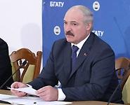 Лукашенко: Беларусь строит АЭС для обеспечения населения нормальными тарифами на электроэнергию<br />