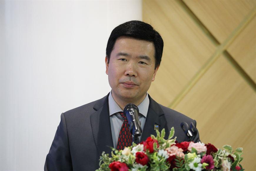 Director General of SZAO Industrial Park Development Company Yan Gang